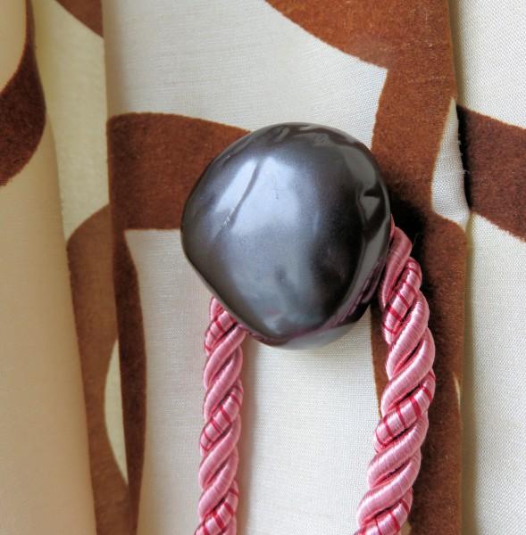Magnetic Tieback Holder.jpg – 2